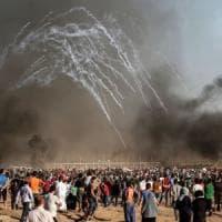 Gaza, due morti in un attacco aereo. Israele smentisce