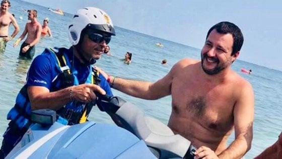 """Salvini: """"Il razzismo? Unico allarme sono i reati degli immigrati"""". Ed è polemica per la citazione di Mussolini"""