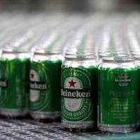 Heineken paga i costi della guerra delle birre: sale l'utile ma taglia le stime