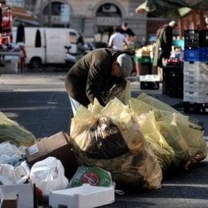 Povertà, crescono le difficoltà economiche e  i ristoranti donano pasti