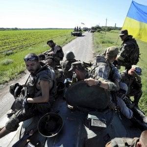 Reclutavano mercenari italiani filorussi per combattere in Ucraina: sei arresti