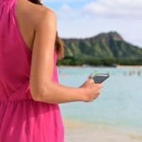 Quei piccoli consigli per evitare che lo smartphone ci rovini la vacanza