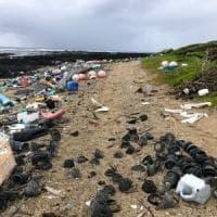 La plastica nell'ambiente produce gas serra.