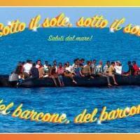 """Migranti: """"Solo in cartolina"""", la campagna di denuncia contro i morti in mare"""