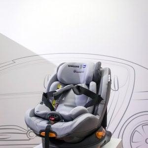 Ok della Camera all'obbligo di seggiolini salva bebè