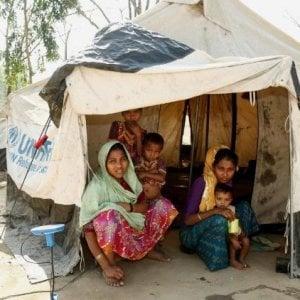 Myanmar, i rifugiati Rohingya sopportano alluvioni e smottamenti in attesa di luoghi più sicuri