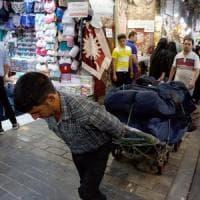 Iran, tornano da domani le sanzioni degli Usa. Teheran: