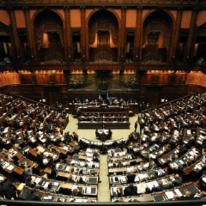 Camere un mese di ferie per i parlamentari il 2017 anno for Tv camera deputati