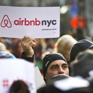 Usa, stretta di New York su Airbnb: censimento delle case e limitazione sugli affitti