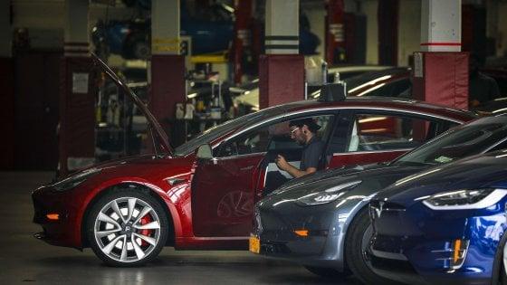 Elon Musk ritira Tesla dai mercati per 85 miliardi di dollari