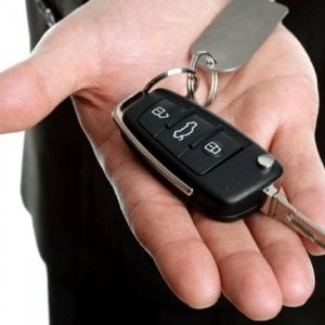 Auto in vacanza, 10 consigli per un noleggio senza sorprese