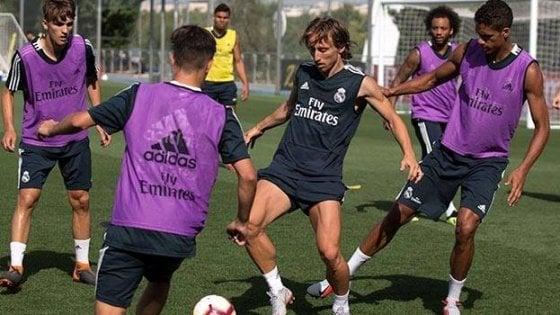 Modric si allena a Madrid in attesa dell'incontro con il Real. L'Inter attende fiduciosa