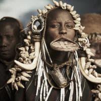 I foto-ritratti delle tribù in via d'estinzione: