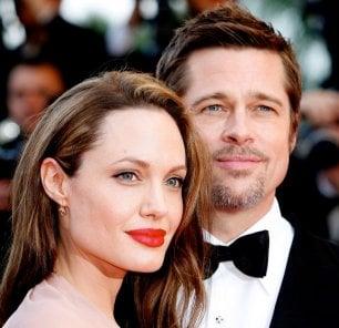 Angelina Jolie vuole il divorzio, ufficilamente separata da Brad Pitt entro l'anno