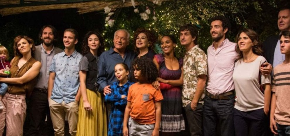 """""""Tutto può succedere"""": polemiche dei fan per la fine della serie tv sulla famiglia Ferraro"""