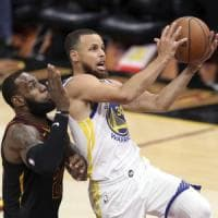 Basket Nba, il calendario: Natale con Golden State-Lakers