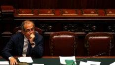 Manovra, stop 80 euro per coprire la flat tax Da bonus e aumenti Iva 21 mld di risorse
