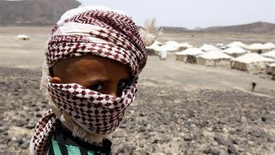 """Yemen, raid saudita colpisce uno scuolabus: 43 morti, quasi tutti bambini. Riad: """"Azione legittima"""""""