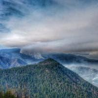Usa, il parco di Yosemite chiuso per gli incendi