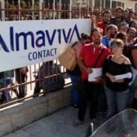Almaviva, nuovi trasferimenti e i lavoratori entrano in sciopero