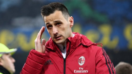 Milan, Kalinic va all'Atletico Madrid. Il Sassuolo insiste per Locatelli