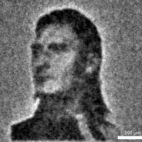 Francesco Totti e la Gioconda, ritratto con batteri