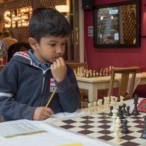 Regno Unito, baby campione di scacchi indiano potrà rimanere nel Paese