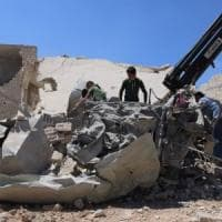 Siria, raid di Damasco: