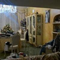 Roma, lo sfarzo nelle ville dei Casamonica: dai wc dorati alle tigri in ceramica