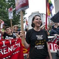 Usa, suprematisti in piazza un anno dopo Charlottesville, ma vince la protesta a...