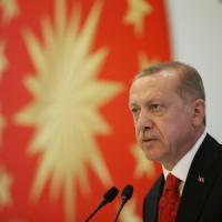 """Turchia, nuovo crollo della lira. Erdogan: """"Gli Usa ci pugnalano alle spalle"""""""