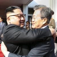 Tra le due Coree il disgelo accelera: incontro Kim-Moon a settembre