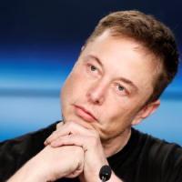 """Tesla, Musk rilancia: """"I sauditi possono finanziare l'uscita dalla Borsa"""""""