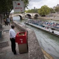 Orinatoio con vista Notre-Dame, è polemica a Parigi