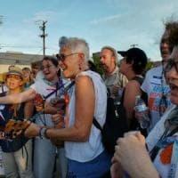 """Usa, la missione delle """"nonne"""" in viaggio verso il Messico per i bimbi"""