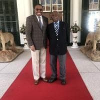 Etiopia, quel sorriso dell'ex premier con il Negus rosso scatena la rivolta