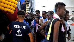 I migranti a bordo della Aquarius