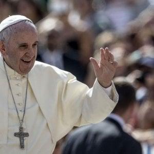 Il Papa nomina monsignor Pena Parra sostituto Segreteria di Stato