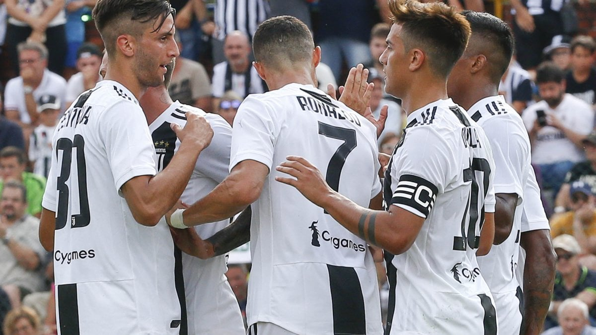 TORINO - Ferragosto di lavoro per la Juventus, concentrata in