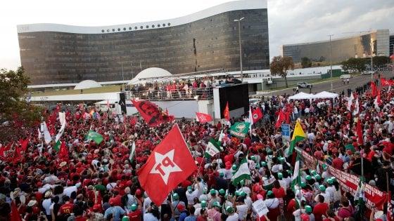 Brasile, Partito dei lavoratori formalizza candidatura di Lula