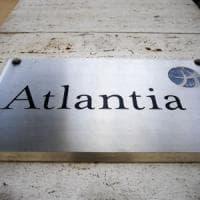 Atlantia a picco in Borsa: chi ha pagato il conto dell'annuncio del governo