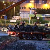 Crollo Genova, trovata nella notte l'auto con i corpi di tre dei dispersi.