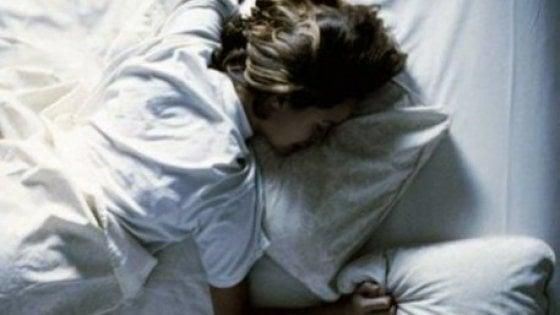 Le lenzuola si devono cambiare una volta a settimana. Parola di microbiologo