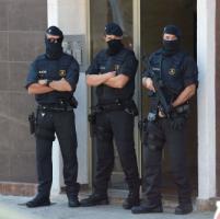 Spagna, armato di coltello tenta di assaltare un commissariato. Algerino
