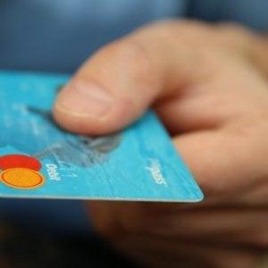 Rifiuti elettronici, ora si riciclano carte di credito e stufe a pellet