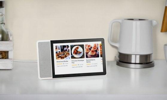 Smart speaker, Google lancerà il suo maggiordomo con display entro l'anno