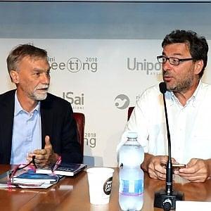 """Autostrade, Giorgetti: """"La nazionalizzazione non mi persuade"""". Delrio: """"Noi abbiamo aumentato le manutenzioni"""""""