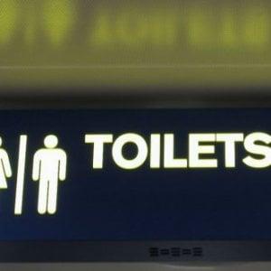 Utilizzare il bagno al bar: bisogna per forza consumare?