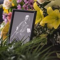 Il lungo addio a Claudio Lolli