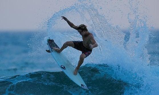 """""""Il surf è parte della nostra cultura"""". California lo proclama sport di Stato"""
